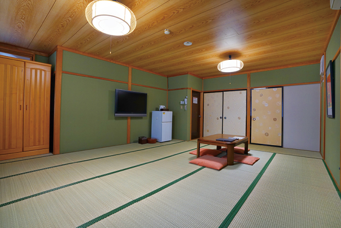Large Japanese-style guestroom (18 tatami mats) / 1 room